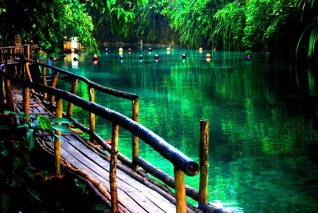 Řeka Hinatuan - Filipíny