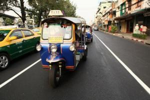 Po Bangkoku jedině v Tuk Tuku