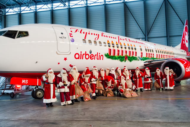 Mnoho Santa Clausů cestovalo z USA do Evropy se společností AirBerlin Zdroj: AirBerlin