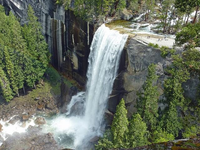 Vodopádů je v Yosemitském parku mnoho