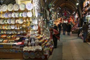 Turecký Grand Bazzar, již přes 500 let si zde můžete nakoupit