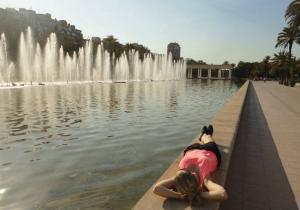 Lehárko u fontány ve Valencii