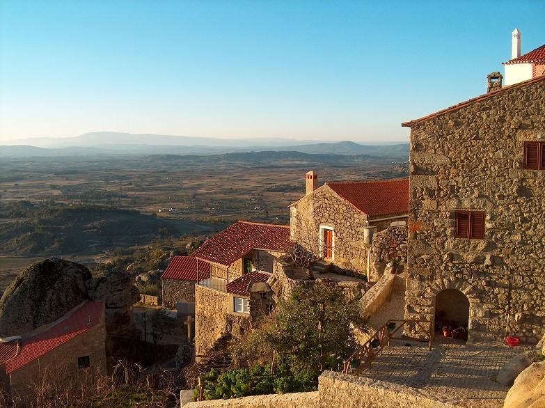 Výhled z vesnice Monsantano