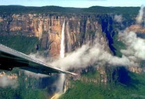Pohled na Salto Angel z letadla
