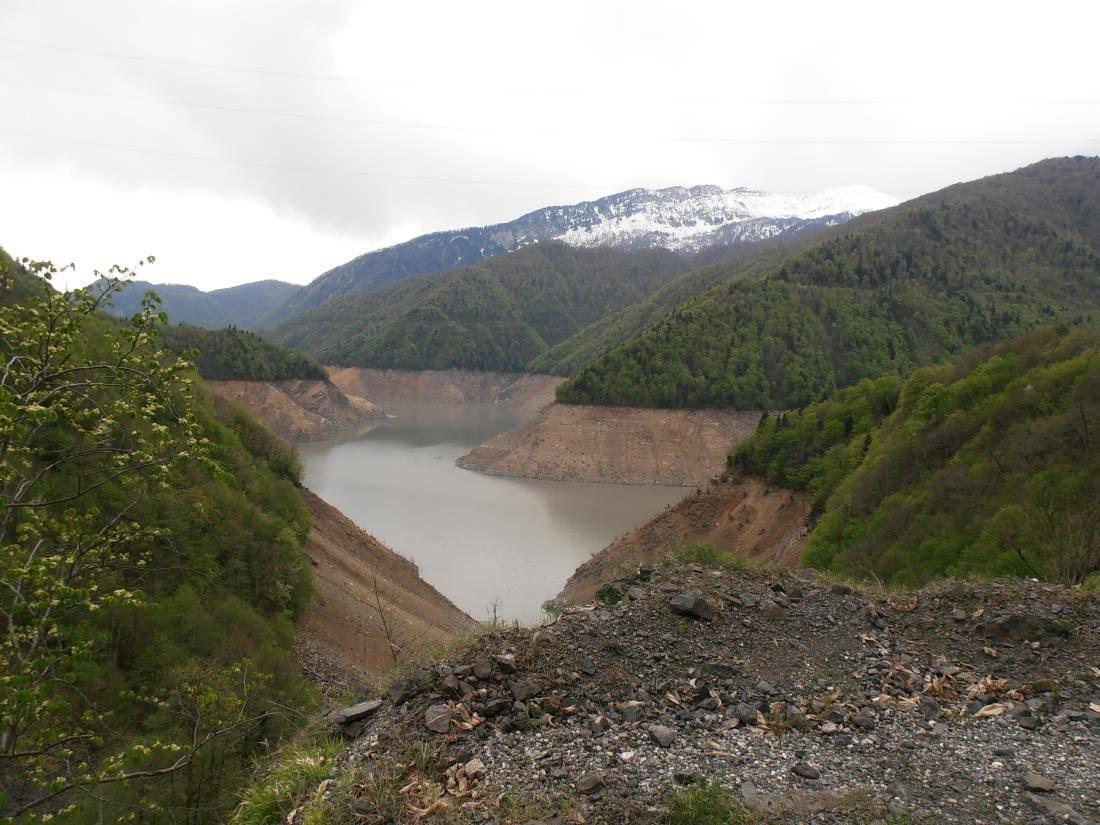 Cesta Zugdidi - Mestie, jezero