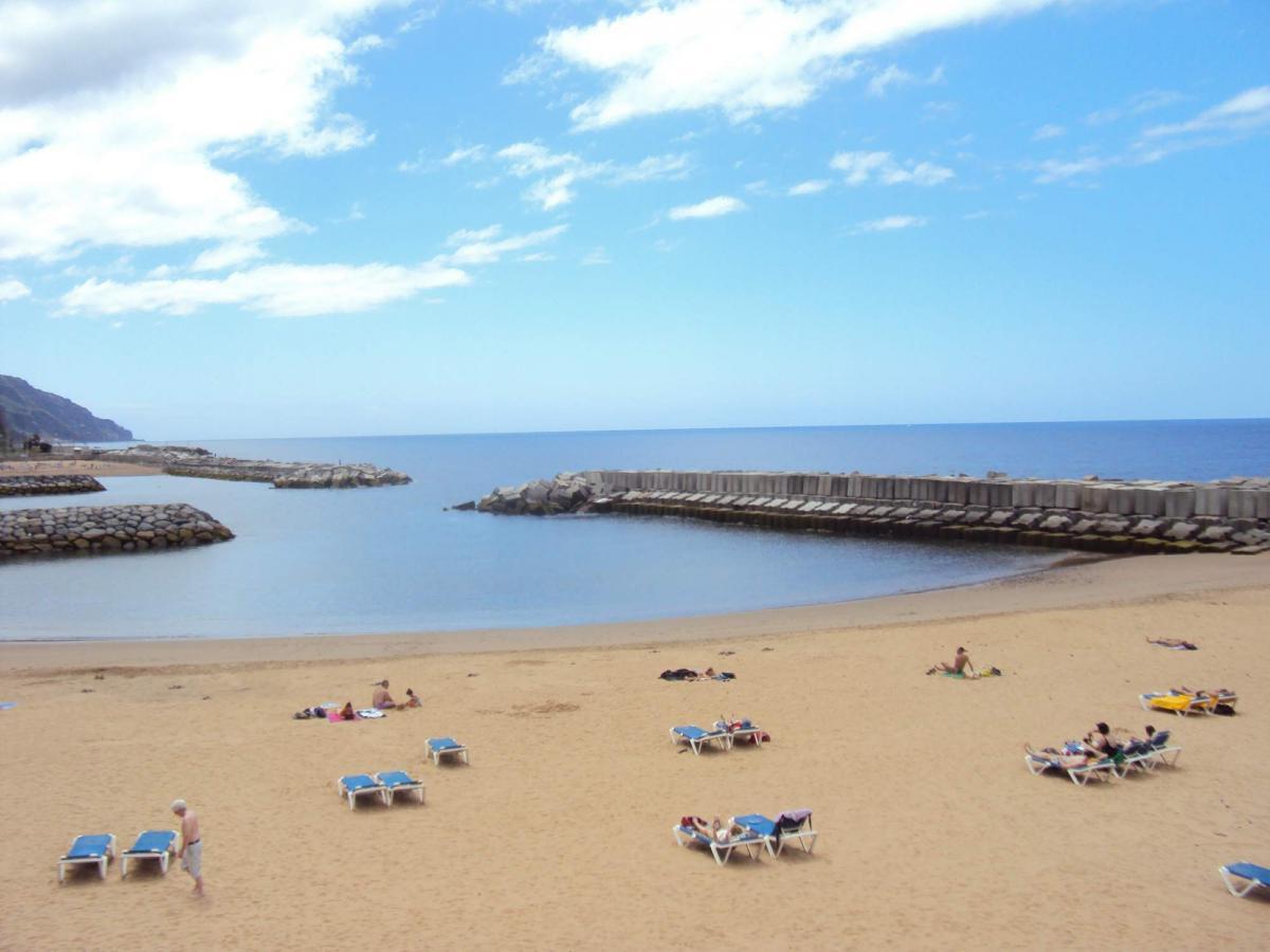 Pláž Calheta - úmělá pláš na Madeiře