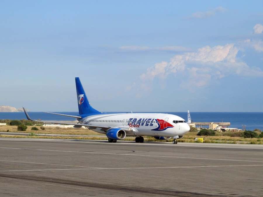 Letoun Boeing 737-800 OK-TSJ společnosti Travel Service po přistání v Heraklionu