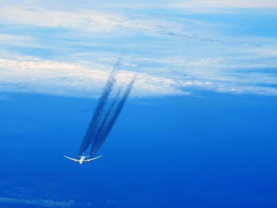 Boeing 787 Dreamliner letecké společnosti Kenya Airways v italském vzdušném prostoru