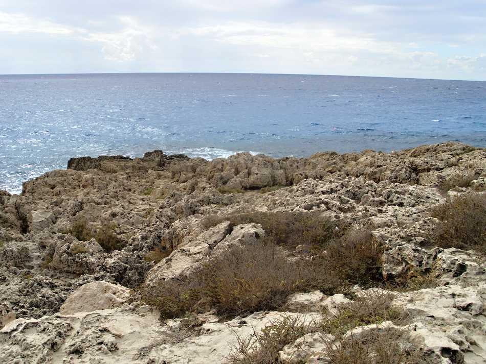 Výhled z ostrůvku u Nissi Beach