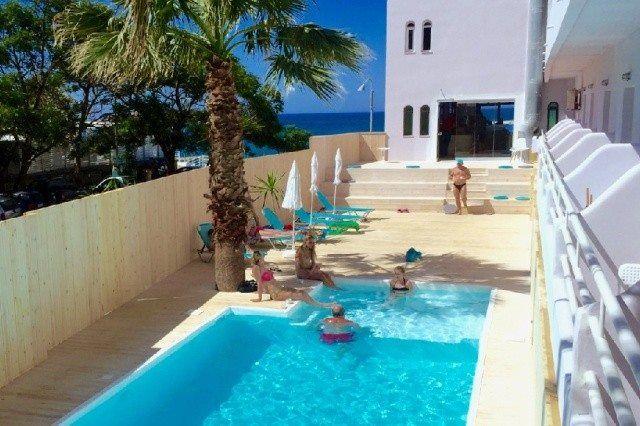 Hotel Amuse má také bazén