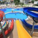 Salamis hotel na Kypru s tobogánem
