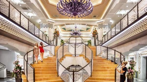Luxusní lobby royal taj mahal turecko