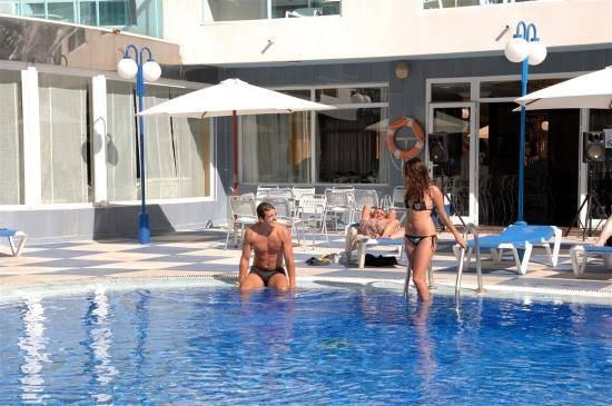 Bazén u hotelu Santa Monica ve Španělsku