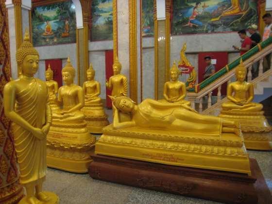 Sochy Buddhy jsou na každém kroku