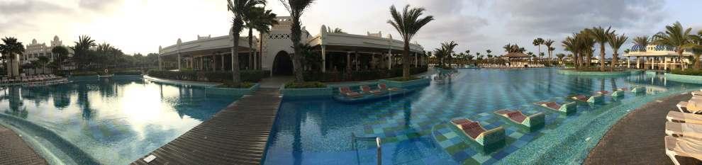 Bazén u hotelu Riu Karamboa, Kapverdy ostrov Boa Vista