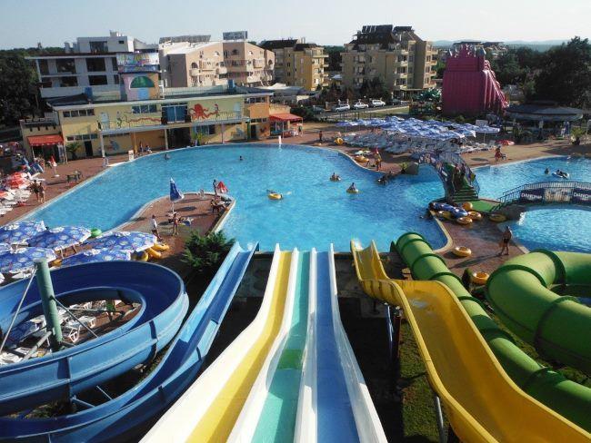 Aquapark s tobogány v Primorsku Bulharsko