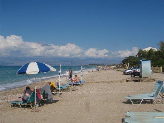 Pláž blízko Villa Stefania na ostrově Korfu