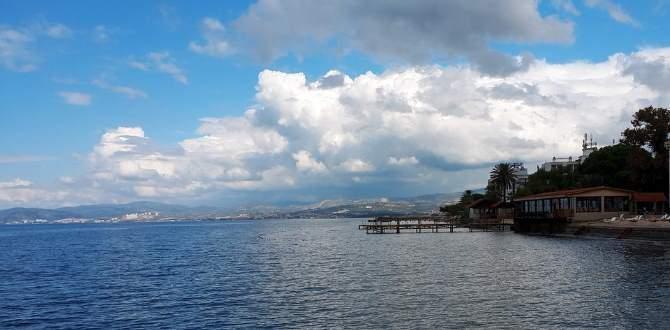 Pobřeží a moře u Kusadasi