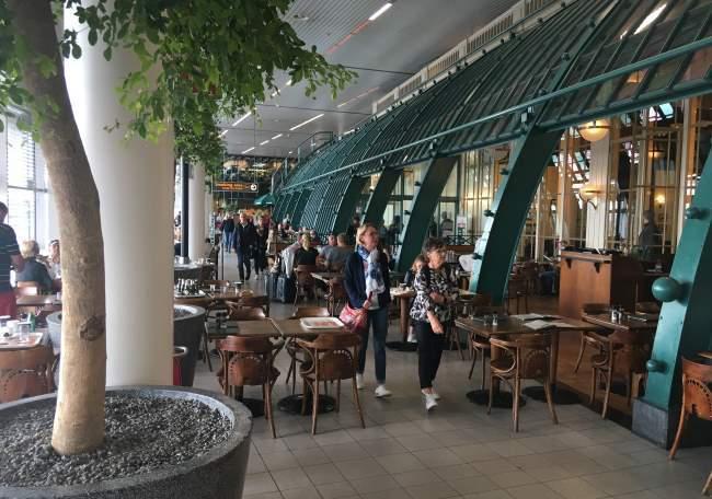 Letiště Amsterdam je stylové