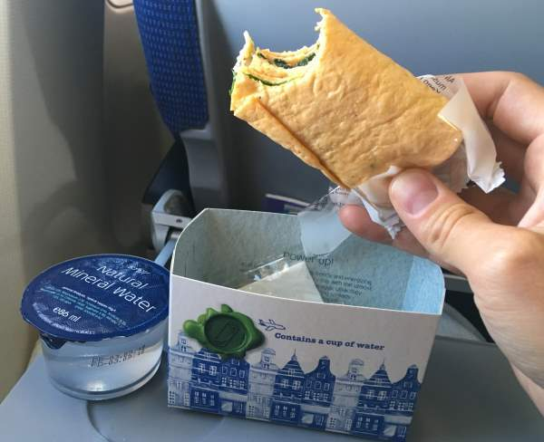 Občerstvení na letu Praha Amsterdam od KLM