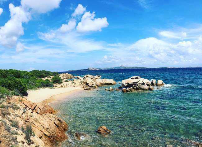 Pláž Li Piscini jen 5 minut autem od Palau