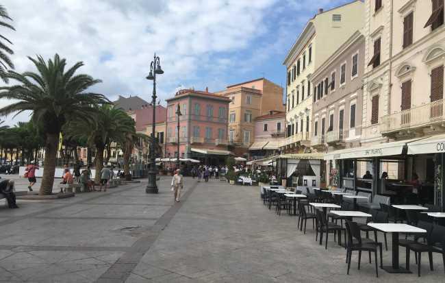 Typická ulice v La Maddaleně