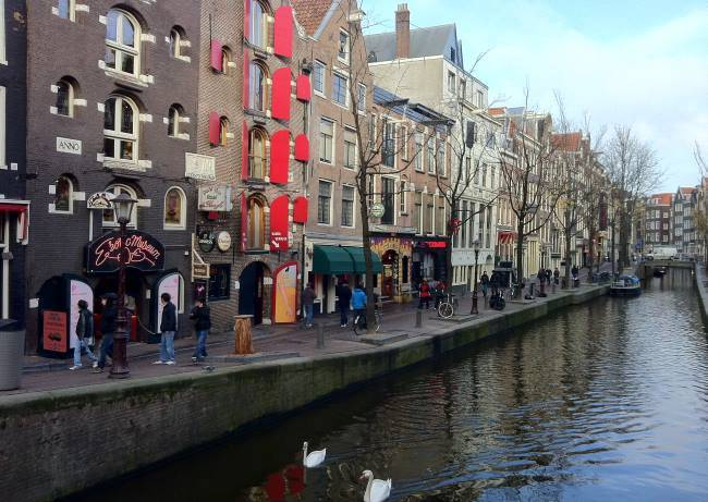 Amsterdamský kanál v Holandsku