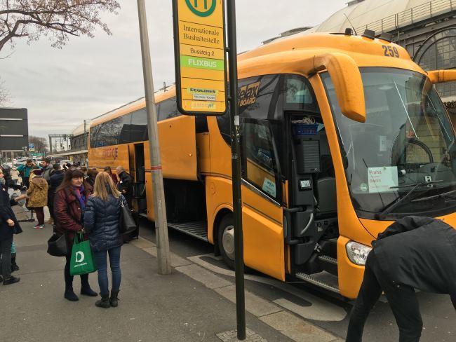 Autobusová zastávka Regiojetu v Drážďanech