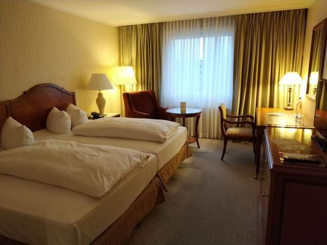 Náš pokoj v hotelu Westin Bellevue v Drážďanech