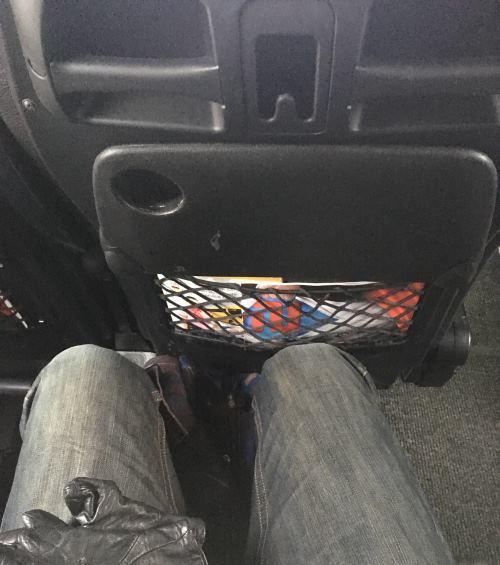 Prostor na nohy v autobusu na cestě z Prahy do Drážďan