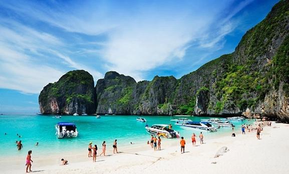 Pláž Ao Nang v provincii Krabi v Thajsku