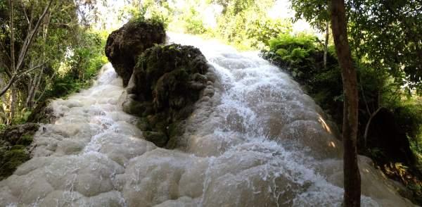 Vodopády nedaleko Chiang Mai v Thajsku