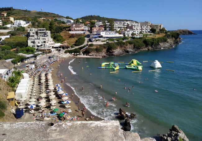Hlavní pláž blízko hotelu Atali Grand Resort
