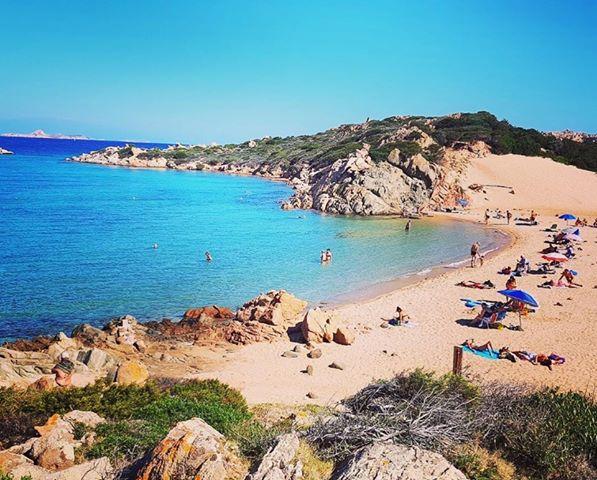 Pláž Monti d´a Rena na La Maddalena